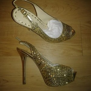 Enzo Angiolini gold sequins pumps